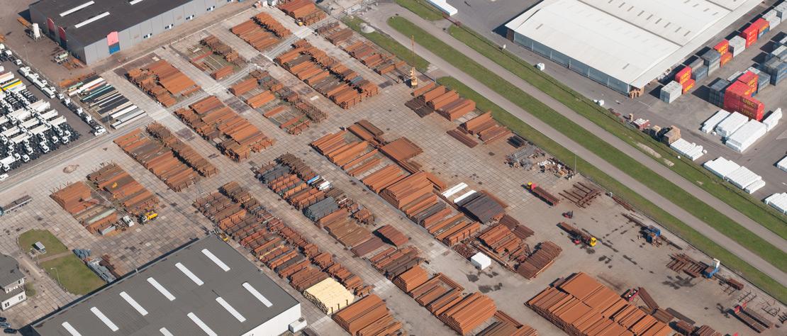 lucht-foto-solines-stalen-buizen-handel-in-moerdijk