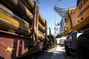 Solines heeft een eigen spooraansluiting voor het transport van stalen buizen